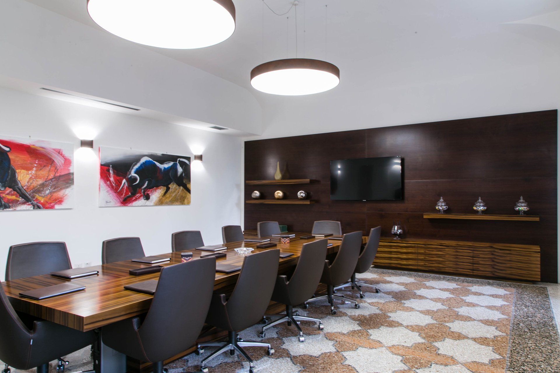 Rome private office - conference table 2